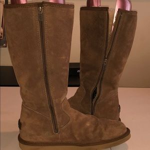 UGG 2415  UGG Chaussures   be4be28 - christopherbooneavalere.website